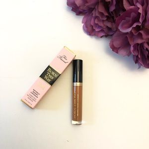 New In Box Too Faced Born This Way Concealer